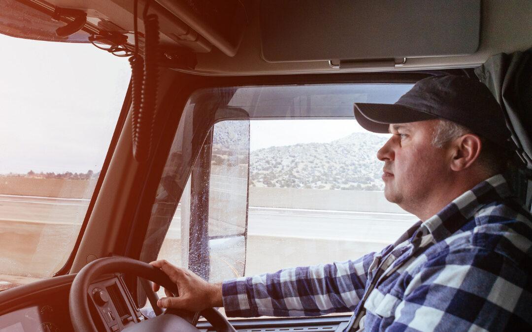 7 Benefits of Choosing a Commercial Truck Insurance Broker