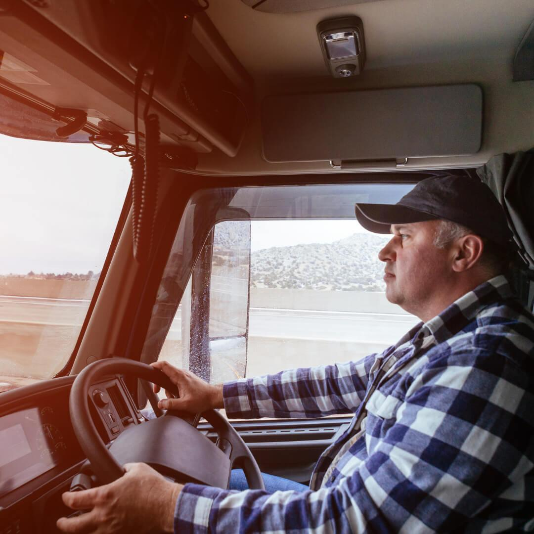 7 Benefits of Choosing a Commercial Truck Insurance Broker
